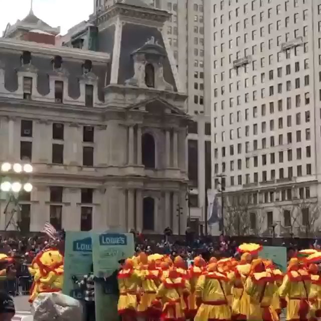 🐔🐔🐔 #Repost @bingwithoutthebeard ・・・ #mollywoppersnyb post parade meeting next weds night January 13th 730pm at omalley #mummers #philadelphia #unbelievable 📹 @jumpfeetfirst #mollywoppersnyb2016